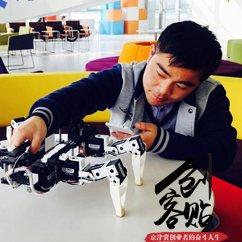 """【创客贴】天津有个""""机器人军团"""""""
