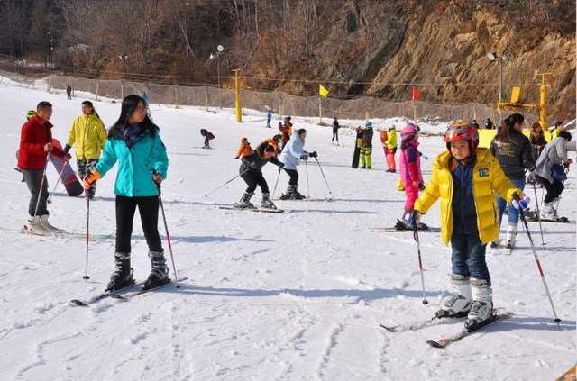 北京滑雪协会出台行业标准规范 滑雪水平有标可依