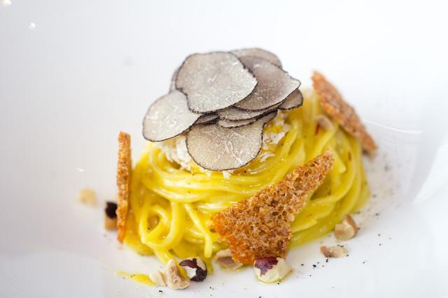 意大利的厨界匠人法比奥演绎唯美黑松露
