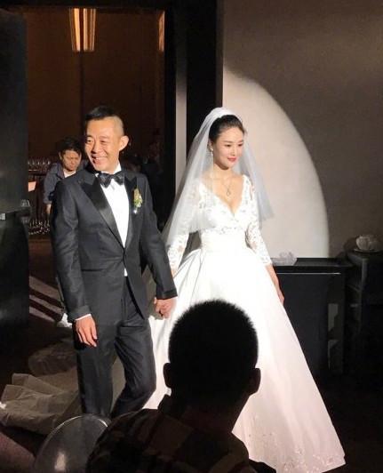 侯勇在北京低调三婚 娶小20岁女友