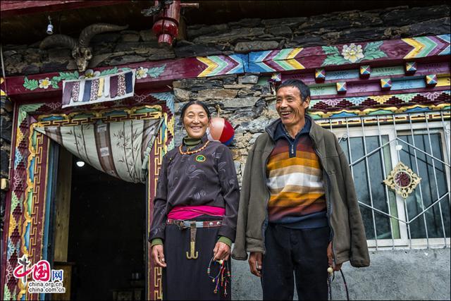 """沾着""""仙气""""走上小康生活的藏族人家"""