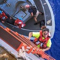 女子海上漂流近半年终获救