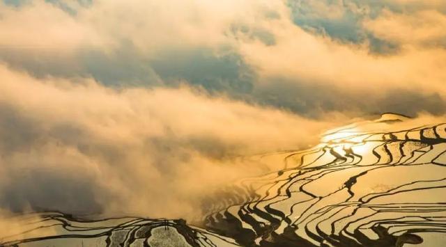 洱海丽江外 彩云之南隐藏着这番奇幻风景