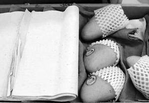 买一箱芒果25斤纸占9斤多 商家:赚的就是这些纸