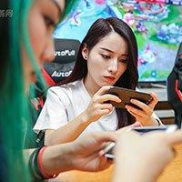 她们是中国第一电竞女队