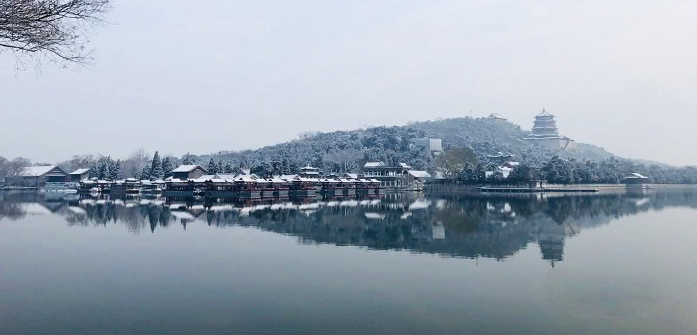 一夜穿越回古朝!北京颐和园雪景甚是迷人