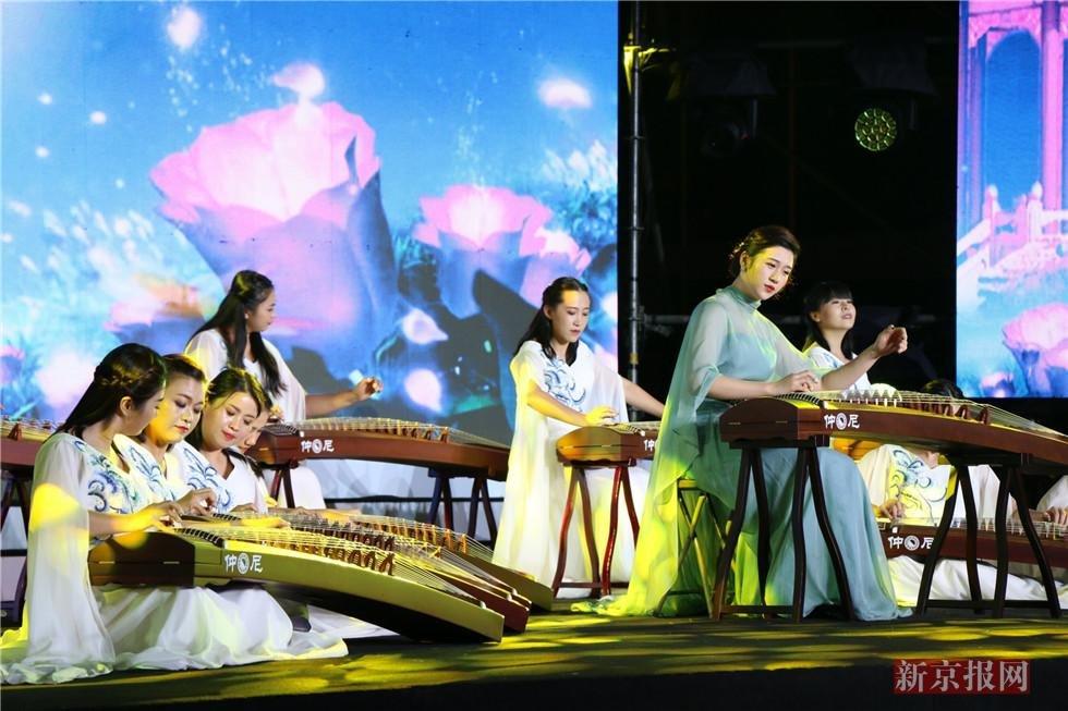 中华世纪坛中秋诗会在京举行