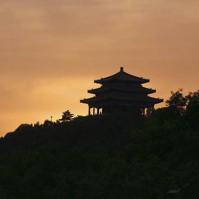 中轴线上的北京 站在景山万春亭能看到什么风景
