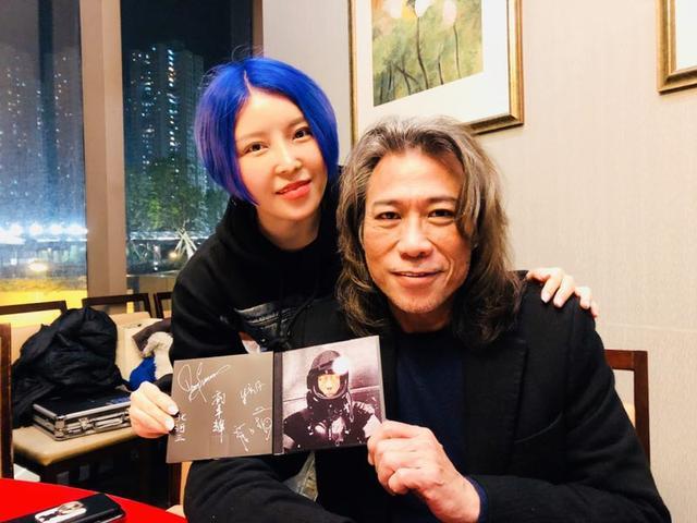 崔子格初唱粤语歌 与夏韶声合唱受瞩目