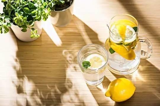 柠檬水有10大健康功效 原来这样泡才喝对