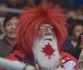 加拿大夫妇走遍世界看冰壶 异域着装吸引眼球