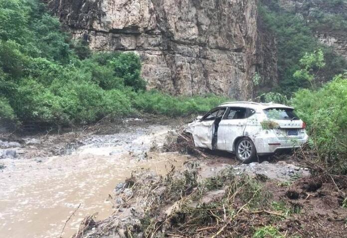 门头沟山区发洪水