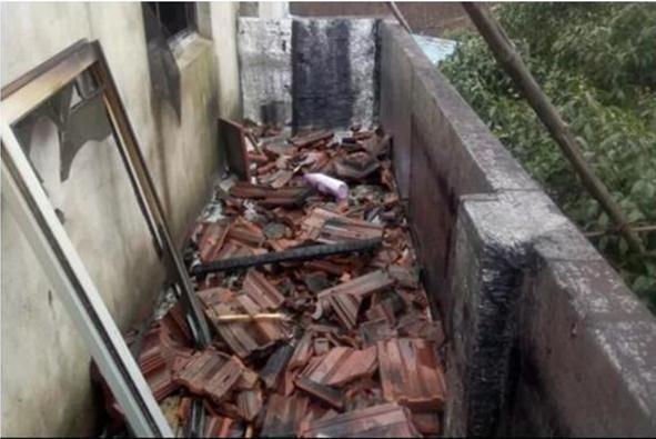 又见快递小哥救人:德邦快递员火场中救出两位老人