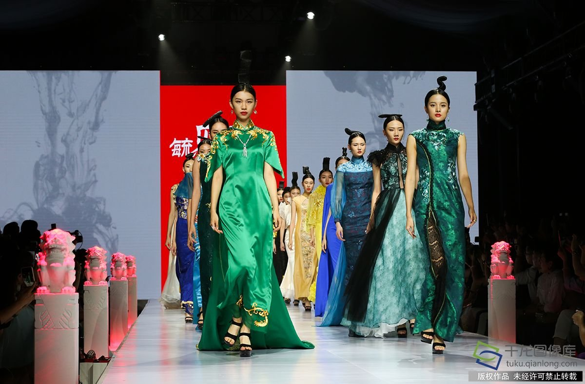 2018北京时装周刮来一股中国风