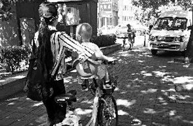 共享单车加装儿童座椅属违约 出事家长担责