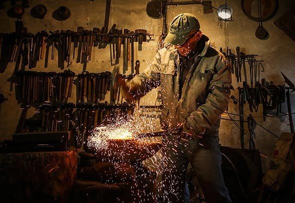 【点京】第36期:北漂男子打铁 废品变万元工艺品