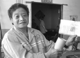 长沙月薪两千元的环卫工每天省一元助人 曾多次参与公益活动