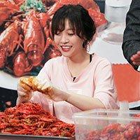美女大胃王吃1000只小龙虾