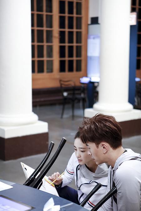 《极速前进》4:王丽坤、郑元畅喜获直通卡