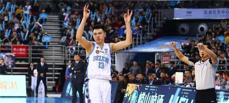 朱彦西连续11场投进三分刷新本赛季个人纪录