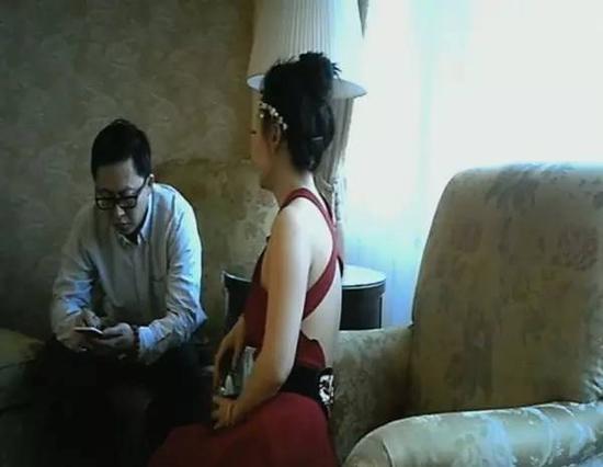 """央视曝光""""伴游""""内幕:白天陪玩 晚上陪睡"""