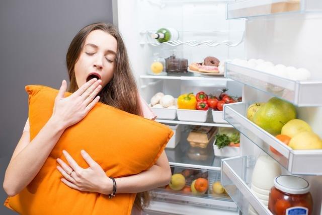 英研究:充足睡眠有助于形成健康饮食习惯