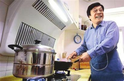 赵忠祥揭36元一碗炸酱面做法 为相声大师真传