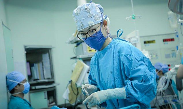燕女郎 90后女护士一天20台手术:苦和累都值得