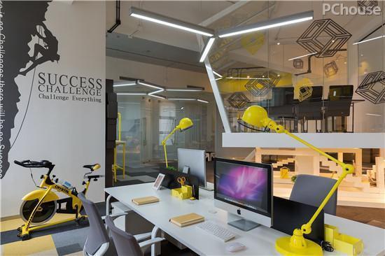 精致与活力兼具 超酷办公LOFT设计