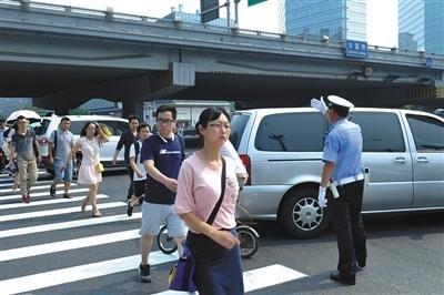 """北京市交管局掀""""史上最严路口整治"""""""