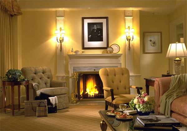 在美国马萨诸塞州波士顿的泰姬酒店,如果你住在一间有壁炉的房间,那么酒店会同时配备一名管家,帮你选择最适合燃烧的木头。这项季节性服务只在每年11月到次年3月提供。供燃烧的木头种类超出你的想象,让你在严寒冬夜中体会到阵阵暖意。