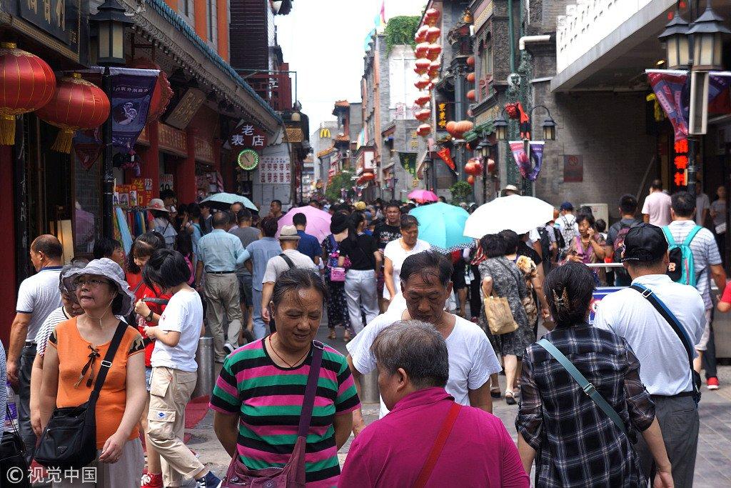 北京前门景区游客爆满