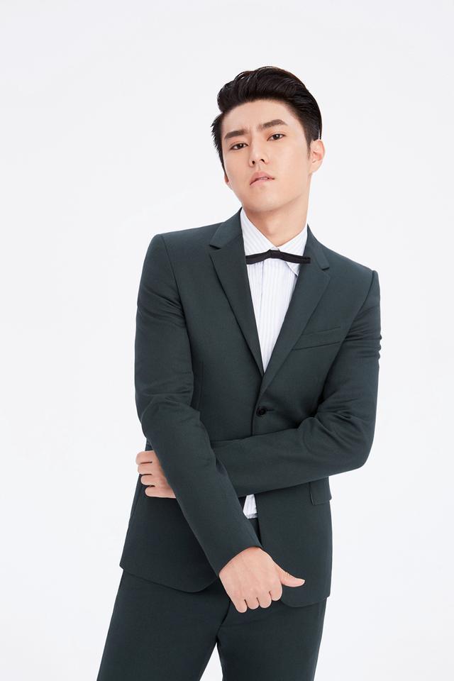 赵东泽生日写真曝光 演绎质感型男