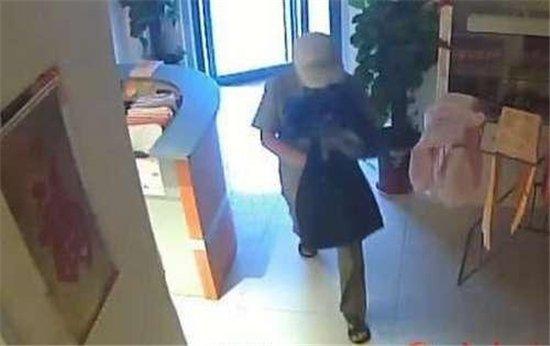 北京一男子假借租房名义在朝阳抢劫女房主