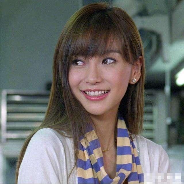 杨颖日本出道旧照!有没有整容看看就知道!