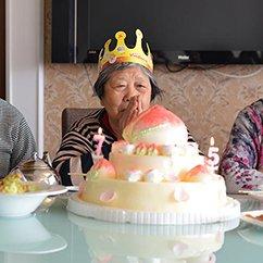 大光圈:母亲节为妈妈拍张照