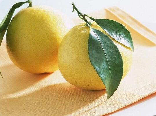 吃柚子,想不到有这么多好处