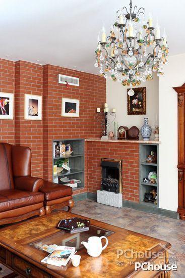 游戏 燕女郎  清新欧式田园风格客厅设计效果图8 砖墙上的装饰照片都