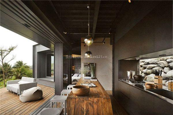2, 吧台设计不仅仅利用餐桌,我们在厨房设计时,可以在岛柜上 吧台