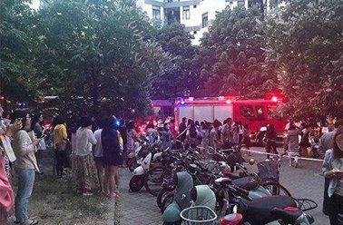 清华大学一宿舍发生火情 因电动车充电引起