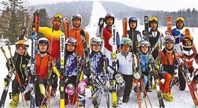 北京青少年滑雪队组建半年 全国大赛收获5金
