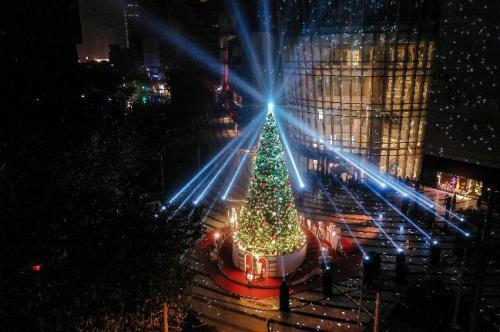 """恒隆广场 · 上海开启""""无尽圣诞""""奢华体验"""