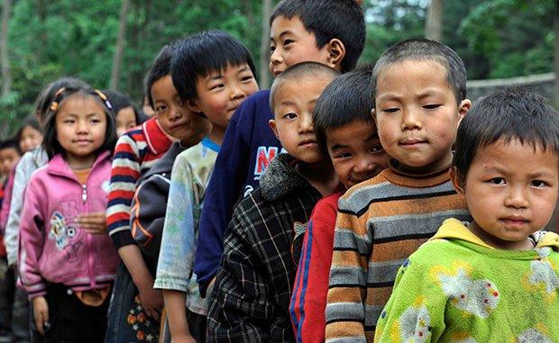 留守儿童福利应纳入扶贫和城市化考核体系