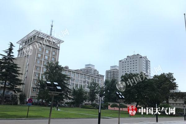 今天北京仍有雷阵雨天气 局部中到大雨个别地区暴雨