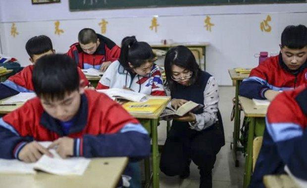 北京90后女教师支教崇礼 六小时回家?#25151;?#27604;春运