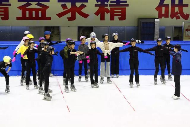 """中国花样滑冰协会尝试""""跨界""""选拔冰舞人才"""