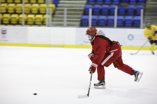 奥林匹克训练营温哥华站完美结营 华裔女冰打出2022希望