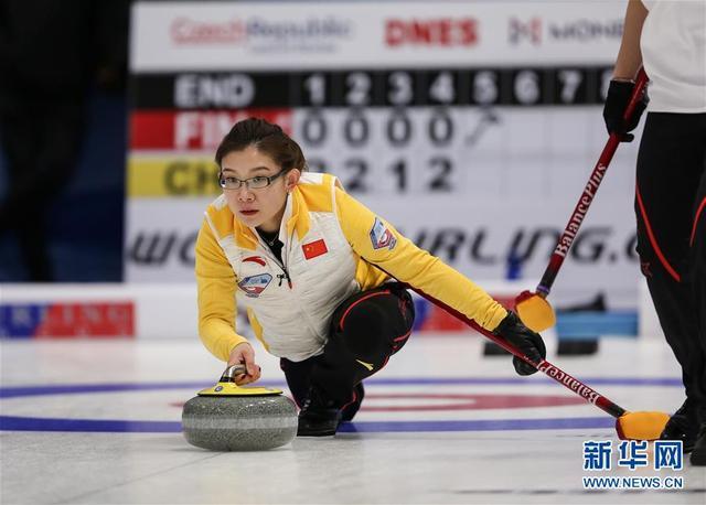 平昌冬奥会冰壶落选赛:中国男女队双双两连胜