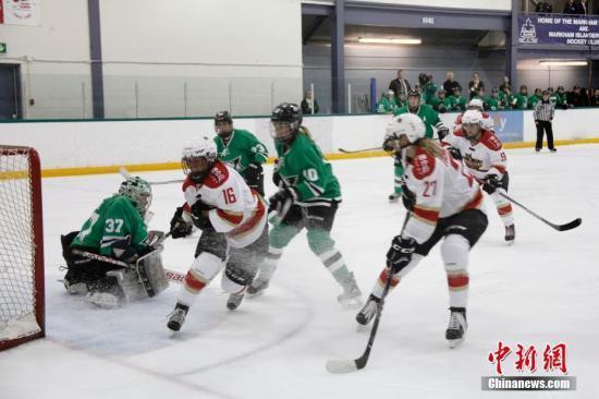 中国驻卡尔加里总领事应邀出席加拿大女子冰球联赛