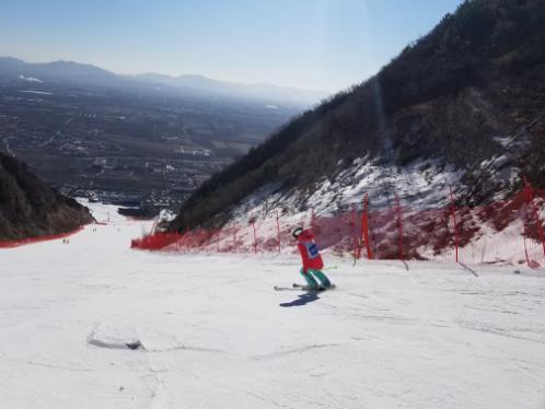 着眼冬奥赛时需要 京冀医务人员接受滑雪技能测试